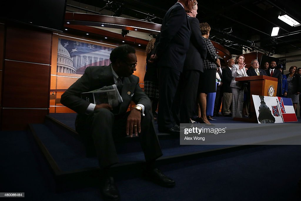 Pelosi, House Democrats Address Media At US Capitol