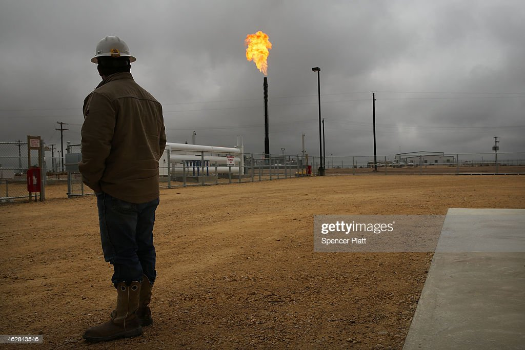 Texas Oil Companies Work To Adapt To Falling Oil Prices : News Photo