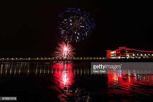 flash, bang, colour and light - stadio olimpico nazionale foto e immagini stock