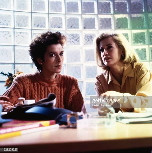 Flash Der Fotoreporter Fernsehserie Deutschland 1993 Darsteller Anita Zagaria Catherine Alric