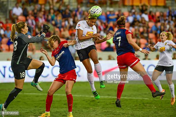 Flash forward Lynn Williams hits a second half header for a goal during the 2016 NWSL Championship soccer match between WNY Flash and Washington...