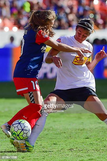 Flash midfielder McCall Zerboni and Washington Spirit midfielder Estefania Banini fight for a loose ball during the 2016 NWSL Championship soccer...
