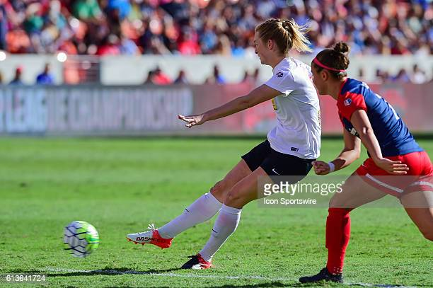 Flash midfielder Samantha Mewis scores a first half goal during the 2016 NWSL Championship soccer match between WNY Flash and Washington Spirit at...
