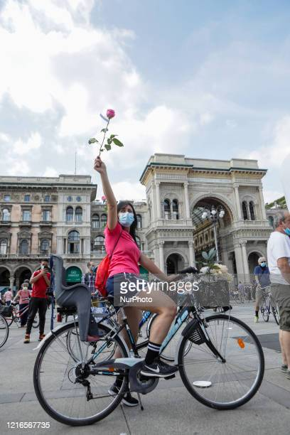 Flash mob 'Milano cambia Giro' in Piazza Duomo, a peaceful demonstration of support for the use of bicycles in the city, promoting ecology in favour...