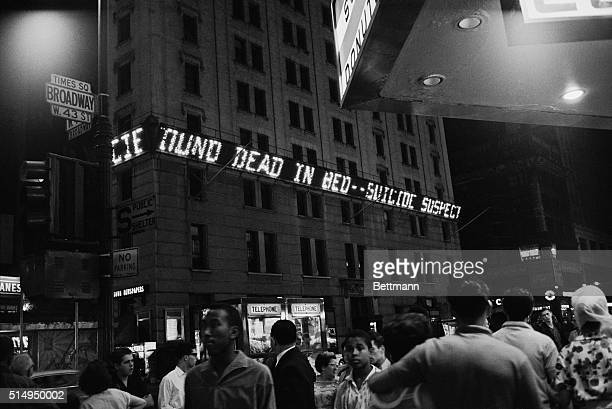 Flashing lights on the New York Times Building on Broadway tell the story of Marilyn Monroe's tragic death The famed blond star died of an overdose...