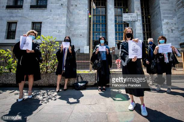 Flashmob of lawyers' protest against the chaos of the Italian courts and that the lockdown has further lengthened the time of the trials on May 29...