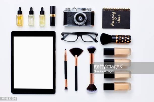 flat lay accessories arranged with tablet on white background - 口紅 ストックフォトと画像