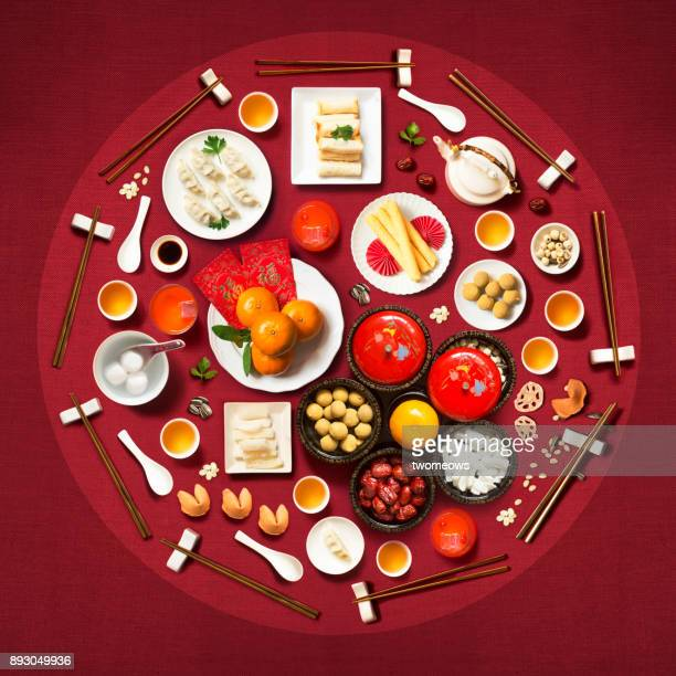 flat lay chinese new year reunion dinner. - chinese new year stock pictures, royalty-free photos & images