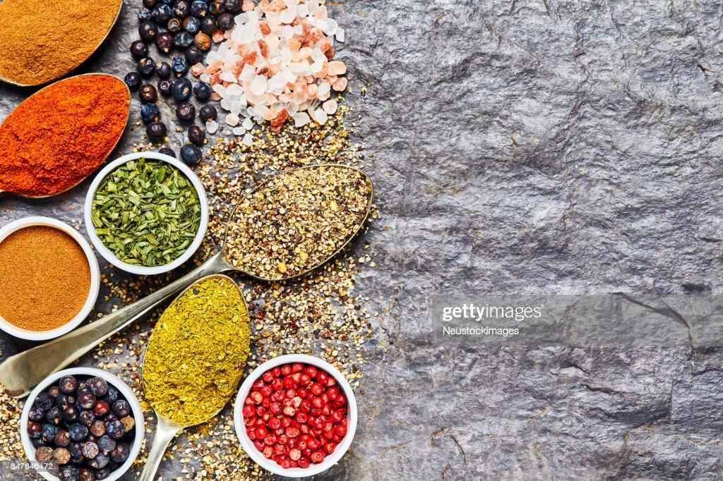 Platt Lag Av Indiska Kryddor Samling Pa Skiffer Bakgrund Bildbanksbilder Getty Images