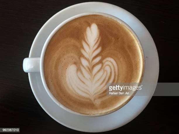 flat white coffee - rafael ben ari imagens e fotografias de stock