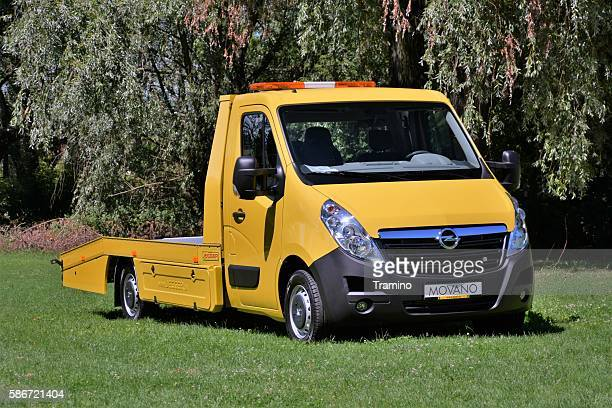 Flachbett tow truck