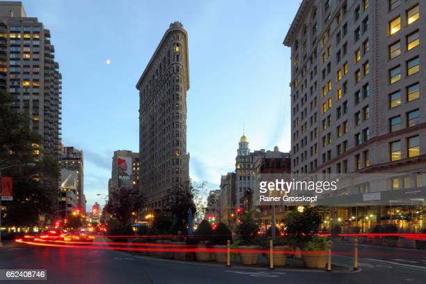 Flatiron Building at 5th Avenue / Broadway