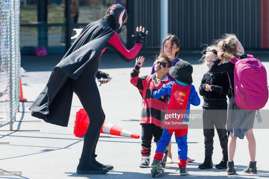 Superhero Flatman Returns To Lift Christchurch Spirits : News Photo