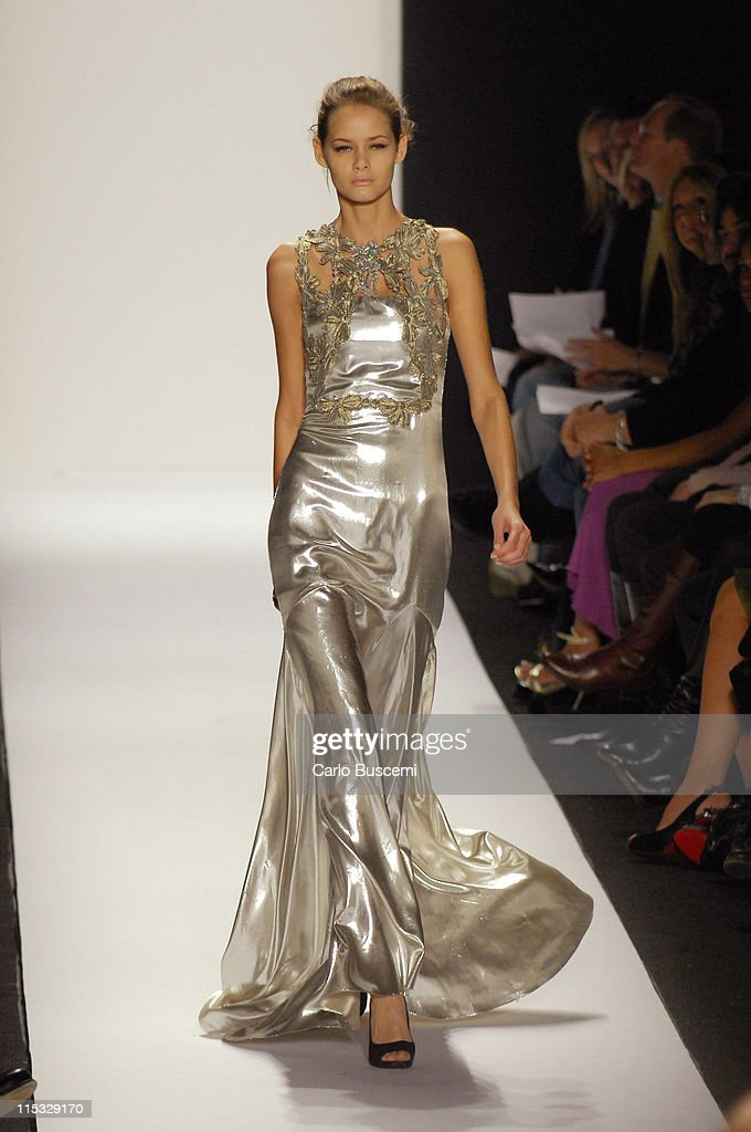 Mercedes-Benz Fashion Week Fall 2007 - Badgley Mischka - Runway