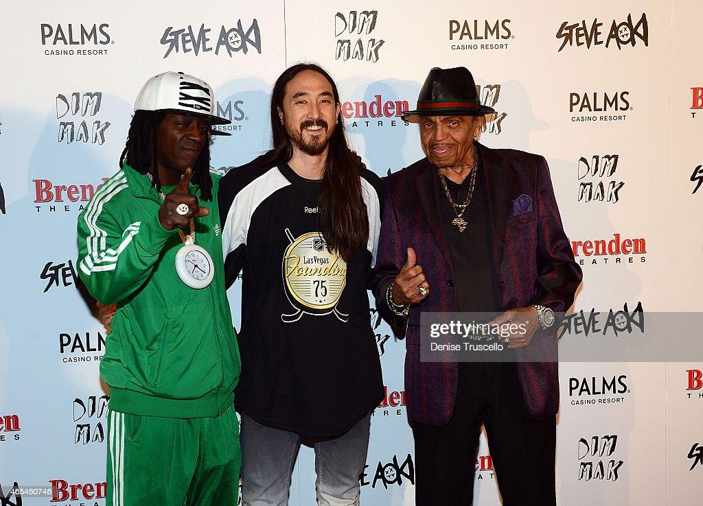 Flavor Flav, Steve Aoki and Joe Jackson during produce/DJ Steve Aoki's Brenden 'Celebrity' Star presentation at Palms Casino Resort on March 6, 2015 in Las Vegas, Nevada.