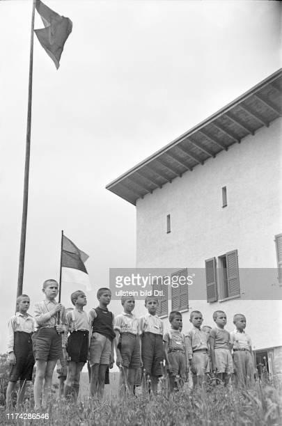Flüchtlingskinder aus Serbien in Rovio 1942