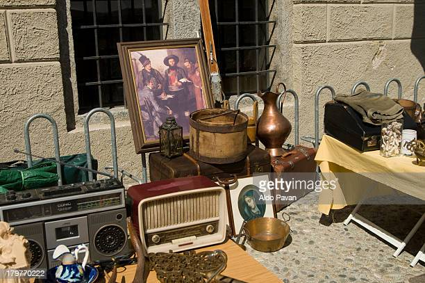 flea market, bressanone, brixen - フリーマーケット ストックフォトと画像