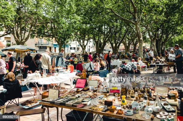 flea market in auriol - flea market stock pictures, royalty-free photos & images