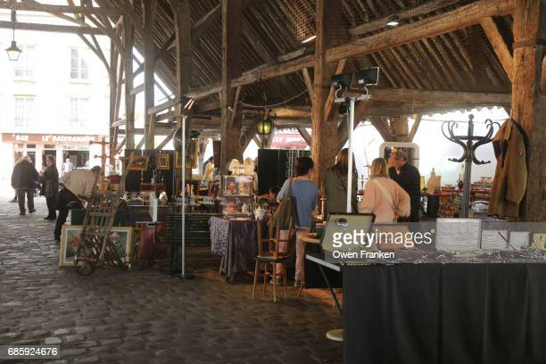 flea market in milly la foret- in the suburbs south of paris - フリーマーケット ストックフォトと画像