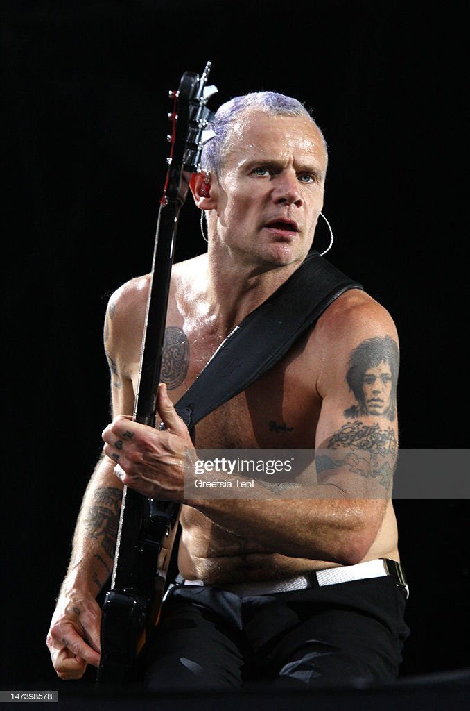 Red Hot Chili Peppers Perform In Holland : News Photo
