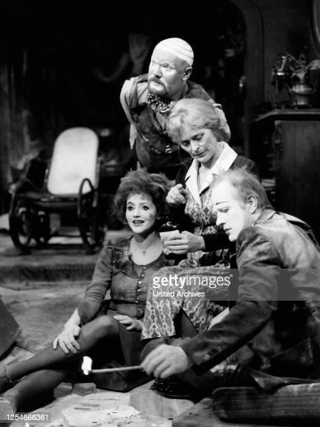 Fledermaus auf der Antenne, Fernsehspiel, Deutschland 1978, Darsteller: oben: Michael Weckler, Eva Brumby, unten: Marita Janowski, Neidhardt Nordmann.