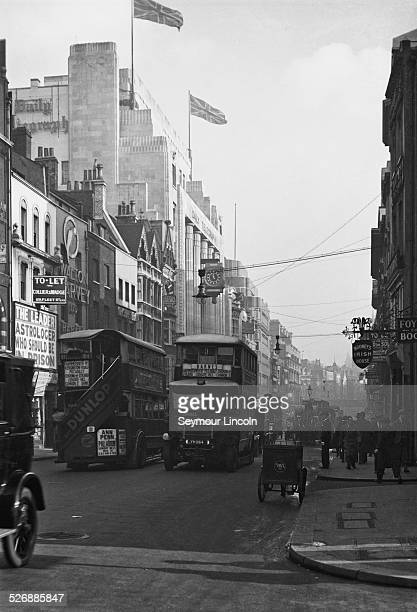 Fleet Street in London with the Daily Telegraph offices in the background circa 1925