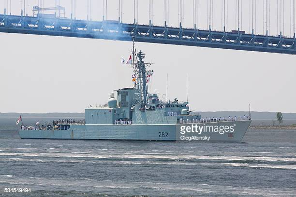 NYC Fleet Week 2016, Canadian Destroyer HMCS Athabaskan (D 282).