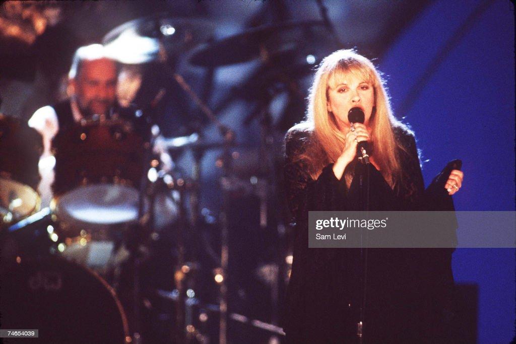 Fleetwood Mac Reunites to Tape Exclusive MTV Concert : News Photo