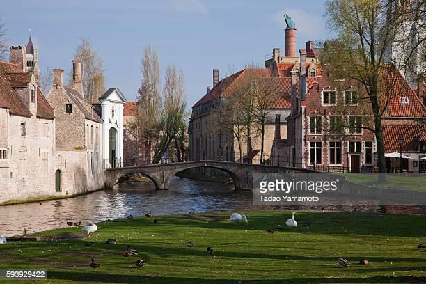 flemish beguinages - bourges imagens e fotografias de stock