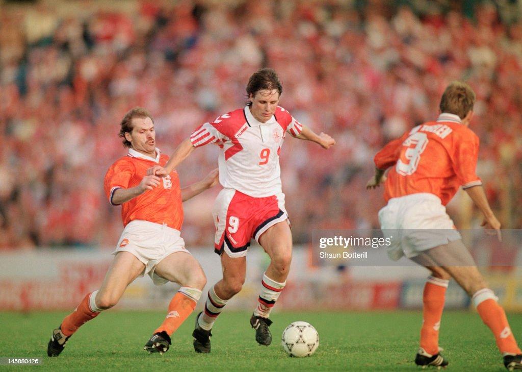 UEFA Euro '92 Semi-Final - Netherlands v Denmark : News Photo