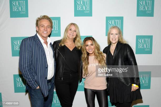 Fletcher Foster Stacie Mullen Jessie James Decker and Keira Krausz attend a PreConcert Party hosted by South Beach Diet for Jessie James Decker at...