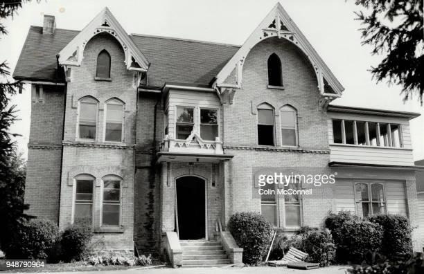 Fleury House in Aurora