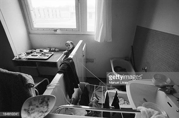 FleuryMerogis March 20 Daily lives of young mothers and their children in the 'district nurse' of the prison Cell that is a sink a bidet a bathtub a...