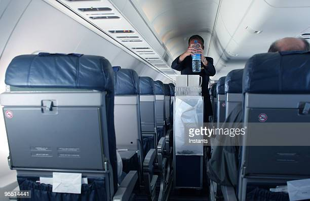 flight attendant - tram stockfoto's en -beelden