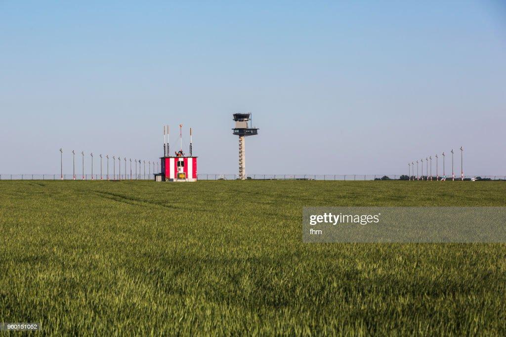 Flight control tower and radar building at Schönefeld airport (Brandenburg, Germany) : Stock-Foto
