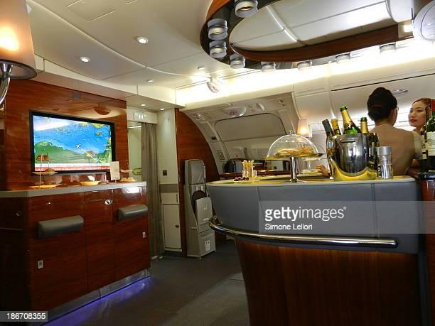 CONTENT] Flight EK097 DXBFCO Airbus A380861 MSN Business Class Onboard Lounge Bar
