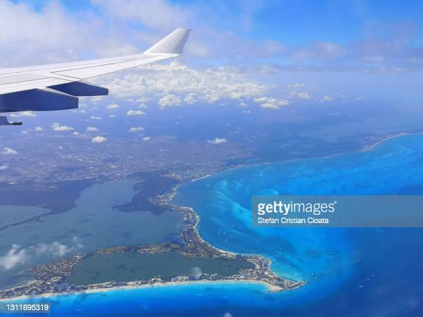 flight over cancun - mexico stock pictures, royalty-free photos & images