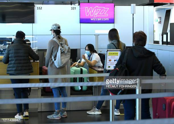 658 Wizz Air Photos And Premium High Res Pictures Getty Images