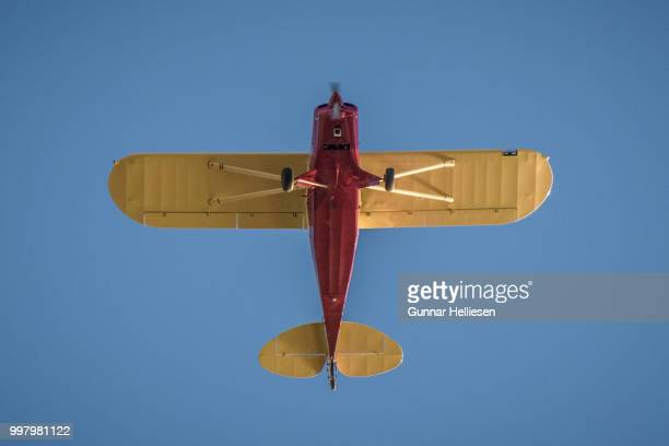 flight path - gunnar helliesen stock pictures, royalty-free photos & images