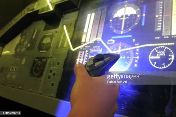 flight simulator flying experiences - rafael ben ari stock-fotos und bilder