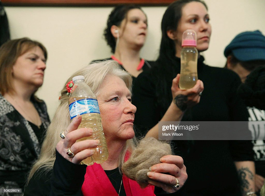 House Committee Holds Hearing On Flint Water Contamination : ニュース写真