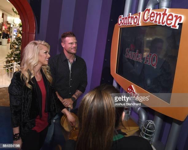 Flip or Flop Vegas' Stars Aubrey and Bristol Marunde visit HGTV Santa HQ at Los Cerritos Centeron December 1, 2017 in Los Angeles, California.