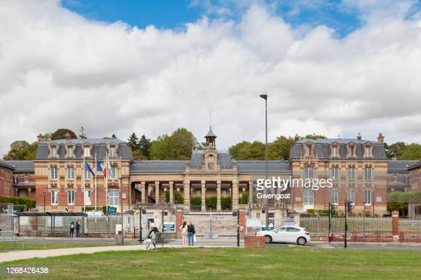félix faure high school in beauvais - oise stock pictures, royalty-free photos & images
