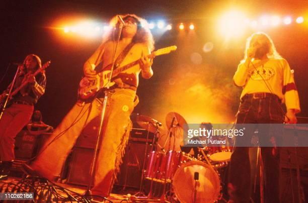 Flo And Eddie perform on stage London 12th November 1972