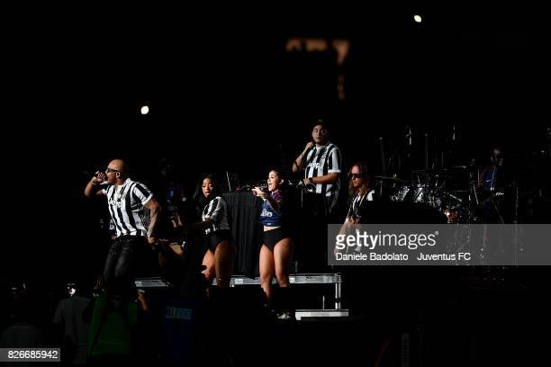 Flo Rida in action at half time during the International Champions Cup 2017 match between Paris Saint Germain and Juventus at Hard Rock Stadium on...