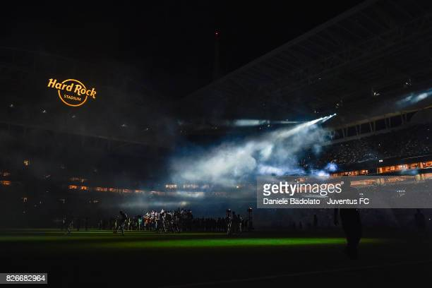 Flo Rida in action at half time of the International Champions Cup 2017 match between Paris Saint Germain and Juventus at Hard Rock Stadium on July...