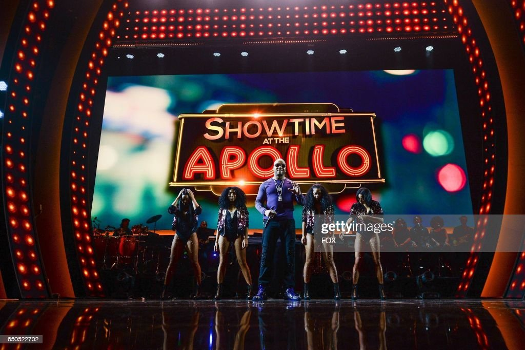 Flo Rida (C) performs at the Apollo Theater for SHOWTIME AT THE APOLLO airing Monday, Dec. 5 (8:00-10:00 PM ET/PT) on FOX.