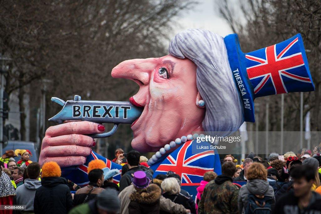 Political Satire Dominates Rose Monday Carnival Parades : News Photo