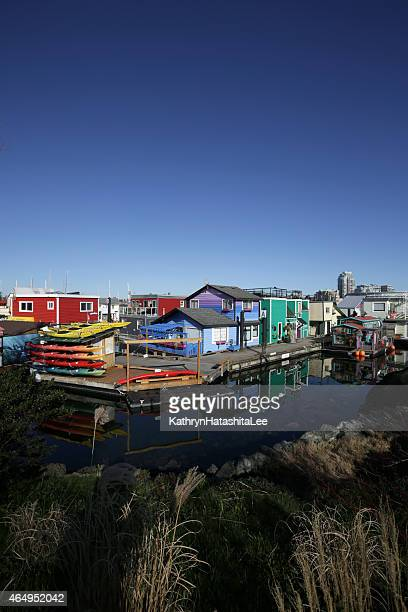 float homes at fisherman's wharf community in victoria, british columbia - victoria canada stock photos and pictures