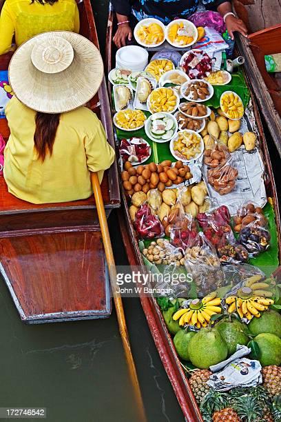 Floating market at  Damnoen Sadoak, Bangkok.